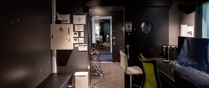 サブスタジオのドアを全て開けたら、3つ先のサブスタジオまで繋がりました!