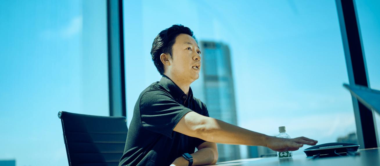 AI事業本部 小売DXセンター統括 藤田和司:大学卒業後、ウェブサイト制作会社を経て2002年サイバーエージェント入社。メディア事業、広告事業で幅広く事業立ち上げを経験した後、2013年よりアドテクノロジー事業に従事。現在はAI事業本部小売DXセンター、アドテクDivの統括を務める。