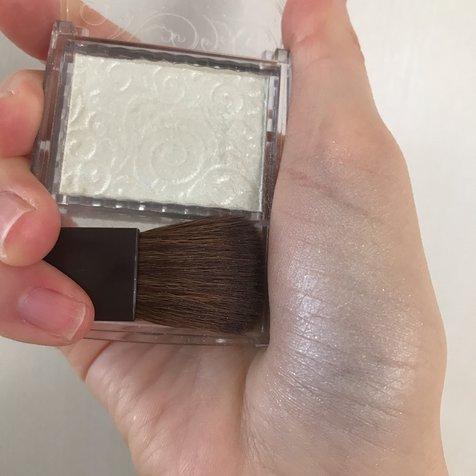 やち🦋 さんが投稿した CEZANNE パールグロウハイライト 03 オーロラミント のクチコミ画像