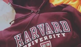 A Harvard University hoodie (equivalent to 5000 yen)