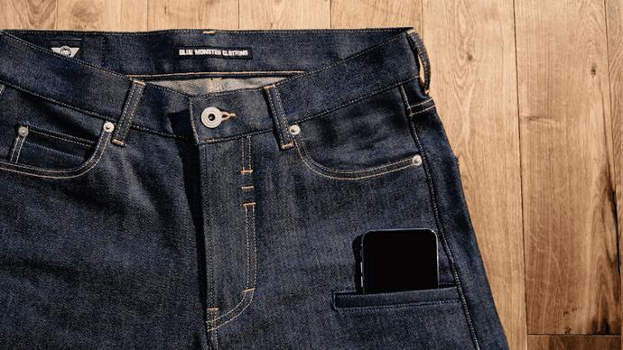 ジーンズ馬鹿2人が【スマホ生活を最適化するジーンズ】を大真面目に作りました!