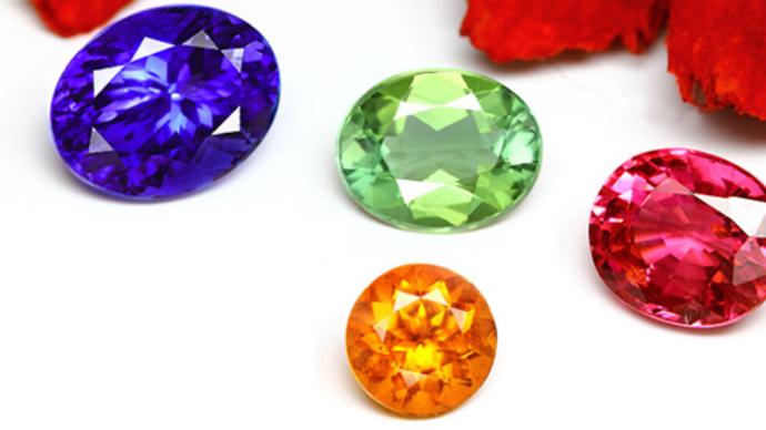 Makuake 格安でお楽しみ頂ける高品質宝石・初心者向け宝石ルースセットを広めたい
