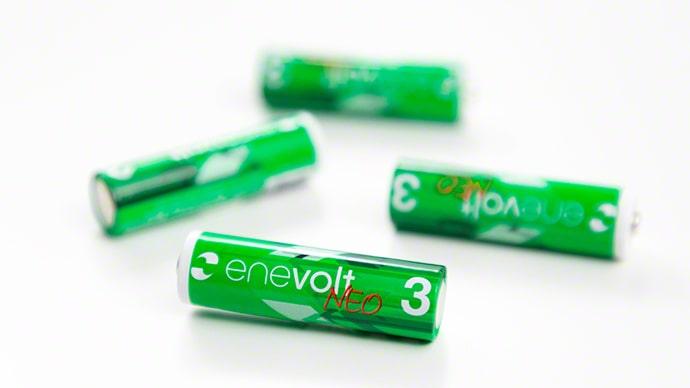 乾電池と同等の電圧1.5Vを備える